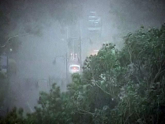 Video : Massive Dust Storm, Rain in Delhi; Flights Diverted, Metro Services Disrupted