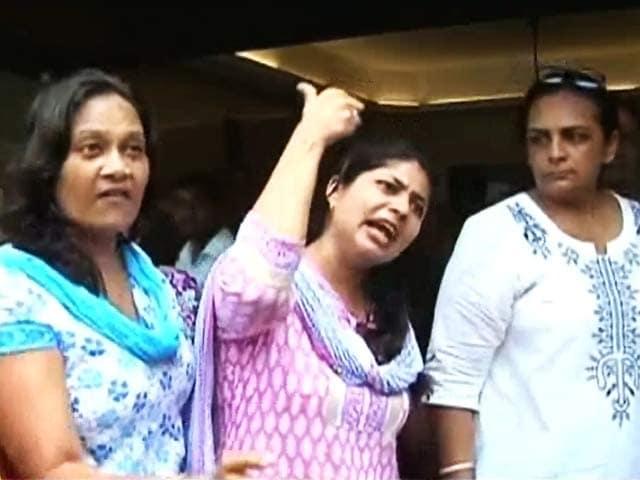 Video : कैम्पा कोला: अब क्या होगा?