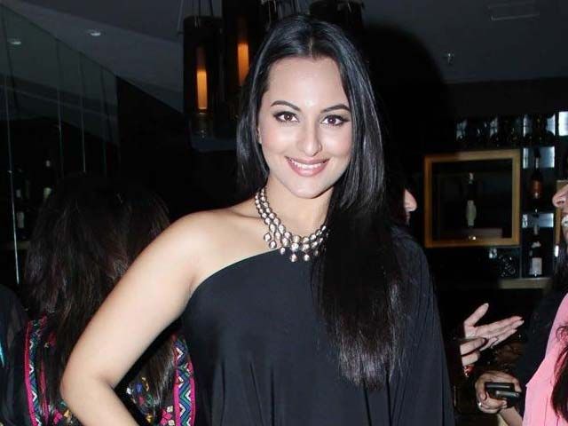 Video : Sonakshi Sinha Gives Herself Birthday Gift