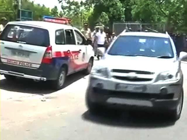 Video : प्राइम टाइम इंट्रो : सड़क हादसों को लेकर हम लापरवाह?