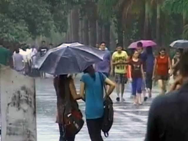Videos : केरल में मानसून ने दी दस्तक