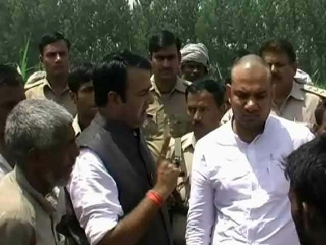 Videos : भाजपा विधायक की पुलिस को धमकी!