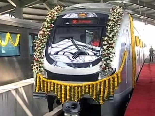 Video : Technical Snag Hits Mumbai Metro on Day One