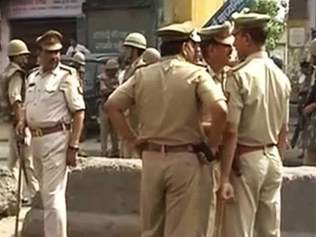 Videos : भाजपा नेता की हत्या के बाद दादरी में तनाव