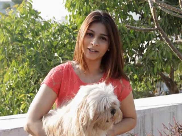 Video : Heavy Petting: Meet Tanisha Mukherjee and Her Dog