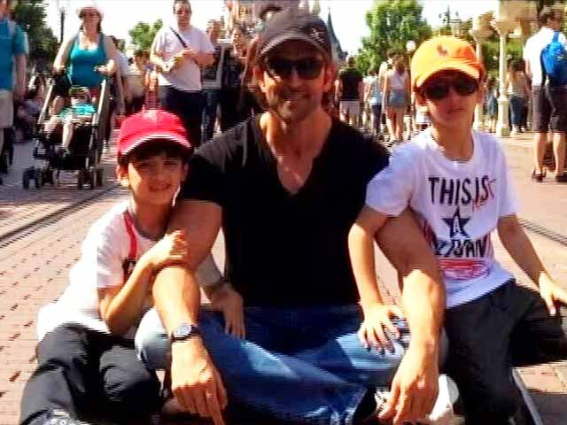 Video : Hrithik Roshan's Day Out With Sons