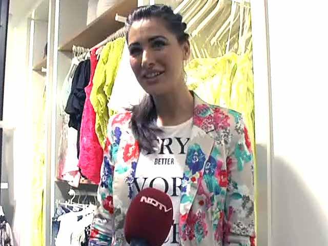 Video : Nargis Fakhri's Summer Style<i>Sutra</i>
