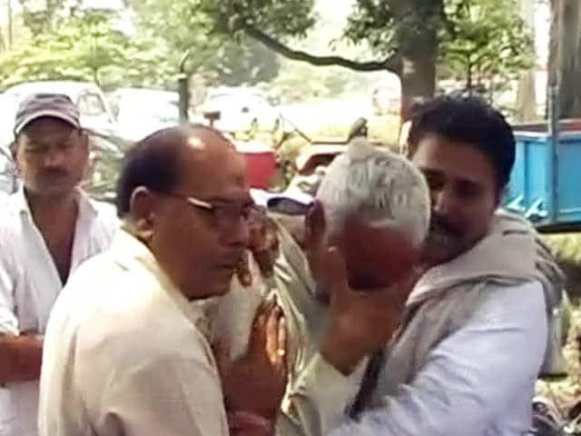 Video : मुजफ्फरनगर : बीजेपी नेता ओमवीर की गोली मारकर हत्या