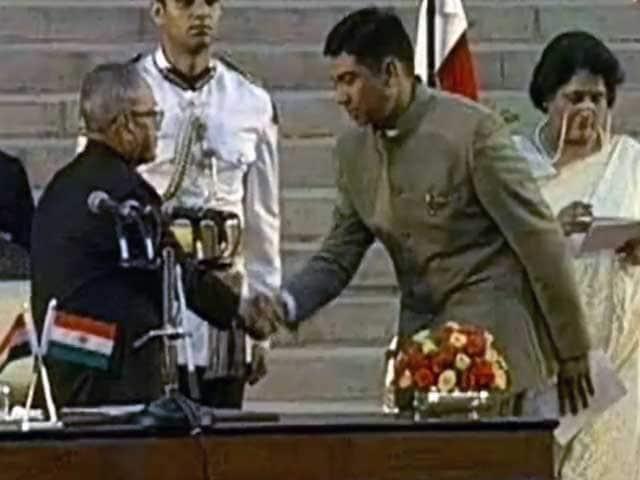 Videos : केंद्रीय मंत्री निहालचंद को रेप केस में कोर्ट का नोटिस