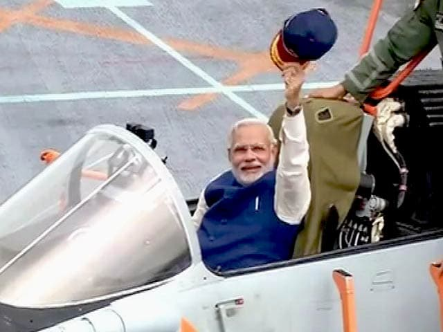 Video : 'It's a Moment of Pride for Me': PM Narendra Modi On Board INS Vikramaditya