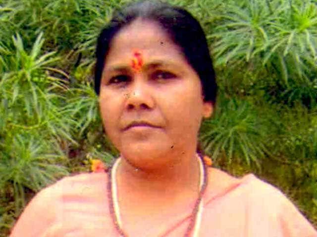 Videos : फतेहपुर में बीजेपी सांसद साध्वी निरंजन ज्योति पर हमला