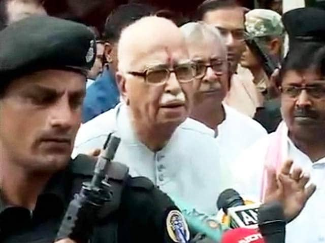 Video : After Jail Visit, an Endorsement for Yashwant Sinha from LK Advani