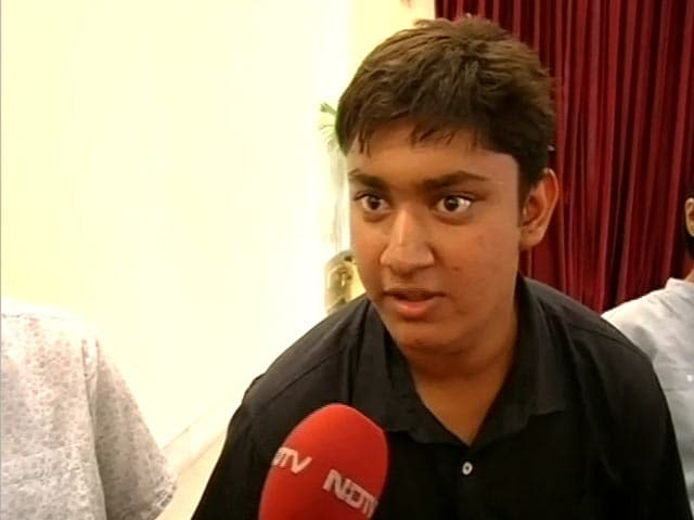 Video : How Smart is This 17-Year-Old? He Topped IIT Entrance Exam
