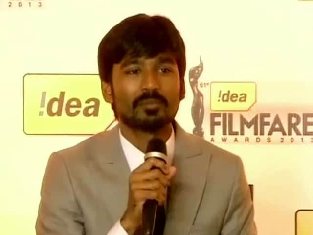 Video : Dhanush is Comfortable With <i>Shamitabh</i>
