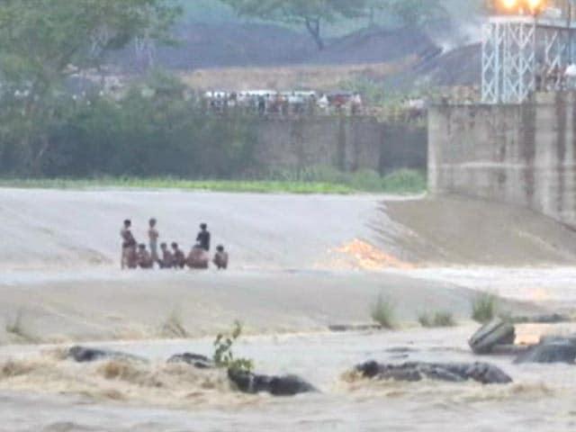 Videos : बोकारो में व्यास नदी जैसा हादसा होते-होते बचा