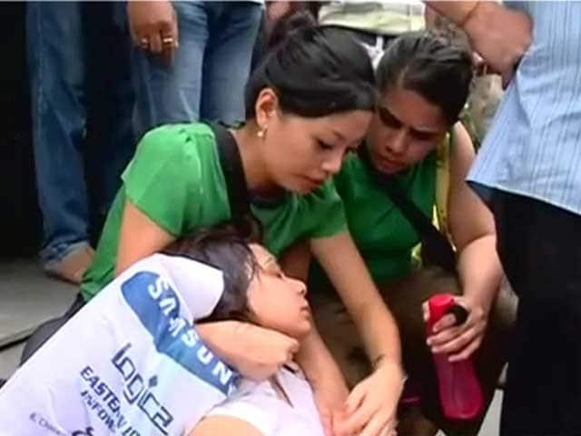 Video : कोलकाता मेट्रो में तकनीकी खराबी, 2 घंटे फंसे रहे लोग