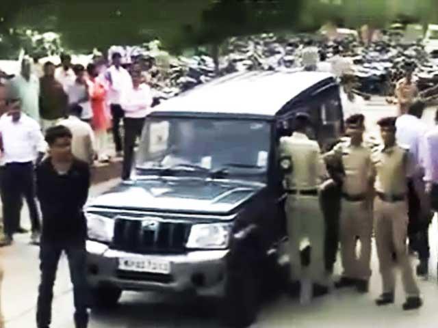 Videos : व्यापम घोटाला : क्या कर रही थी शिवराज सरकार?