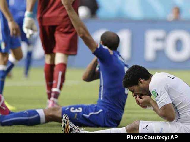 Video : World Cup 2014: Luis Suarez' Biting Antics Kick Up Twitter Storm