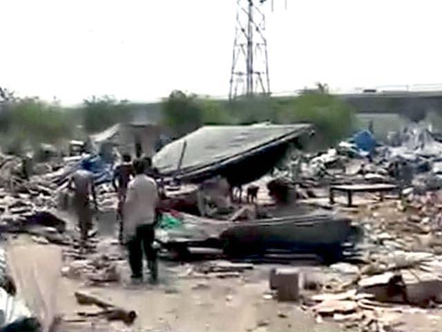 Video : डीडीए ने चलाया बुलडोजर, 200 बच्चे बेघर
