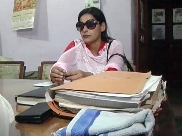 Videos : यूपी : 'कथित यौन उत्पीड़न के आरोपी आईपीएस को बचाने में लगा आईओ'
