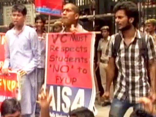 Video : Delhi University Scraps Four-Year Undergraduate Programme