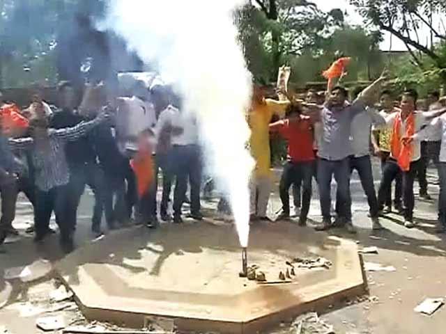 Video : इंडिया 7 बजे : डीयू में चार साल की डिग्री रद्द