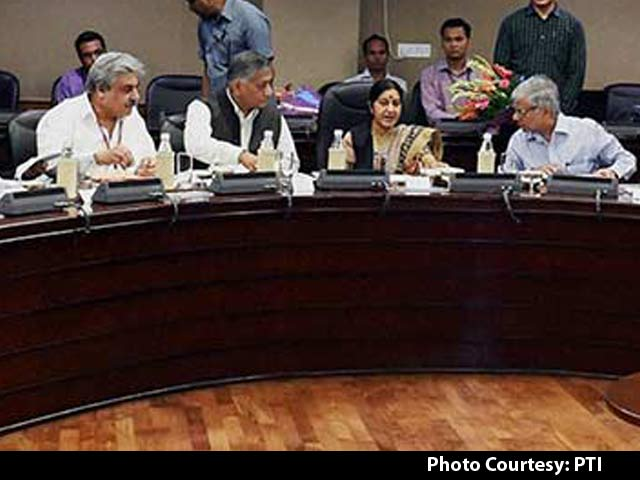 Video : Iraq Crisis: Sushma Swaraj Meets Envoys to Gulf Nations