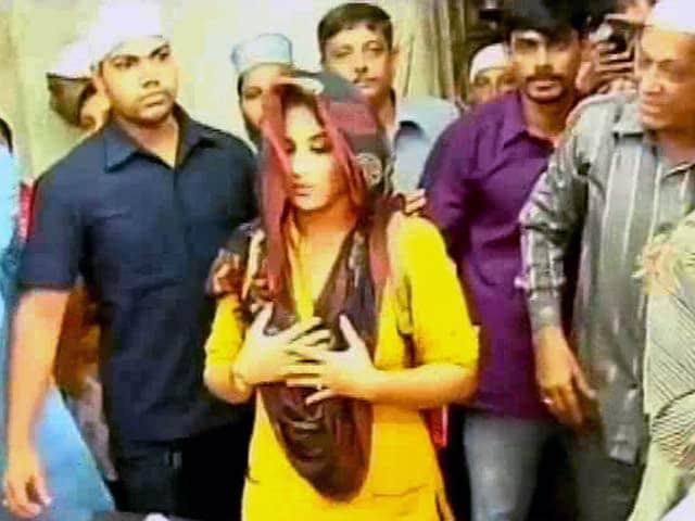 Video : Vidya Balan Slammed for Imitating Narendra Modi