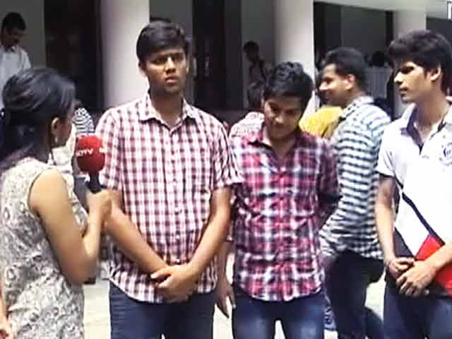 Video : Delhi University Admissions: 100% Cut-Offs Here to Stay?