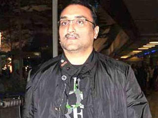 Video : Aditya Chopra to Host Iftaar Party