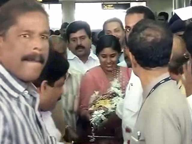 Video : Indian Nurses Freed from Iraq Reach Kochi, Reunite With Their Families
