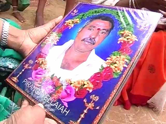 Video : In KCR's Constituency, Hopeless Farmers are Taking a Drastic Way Out