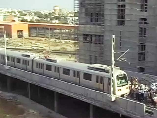 Video : जयपुर मेट्रो पर लगा ब्रेक