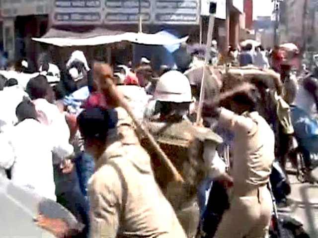 Videos : पटना में अस्थायी शिक्षकों पर लाठीचार्ज