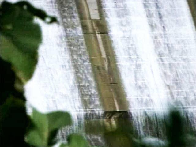 Video : Truth vs Hype Special Report: Did Poll Power Sops Drain Narmada Dams?