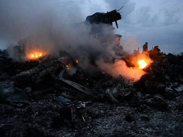 Video : Malaysian Jet Shot Down in Ukraine Had 298 People On Board