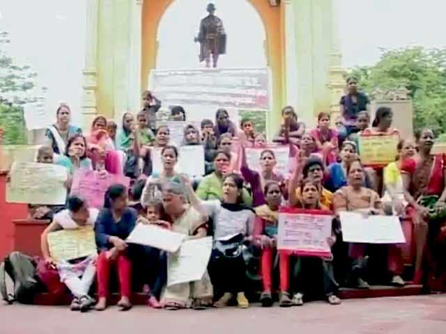 Videos : यूपी के गवर्नर का 'बलात्कार' पर विवादित बयान