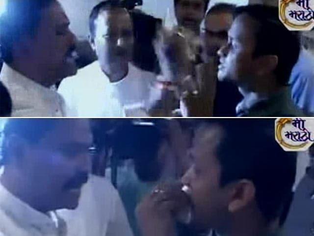 Video : Shiv Sena MP Force-Feeds Man Fasting For Ramzan