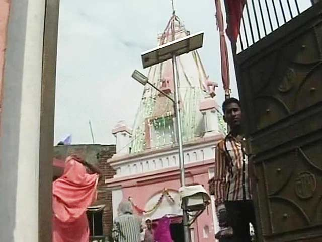 Video : Tension in Moradabad as VHP Leader Plans Puja at Temple Caught in a Dispute