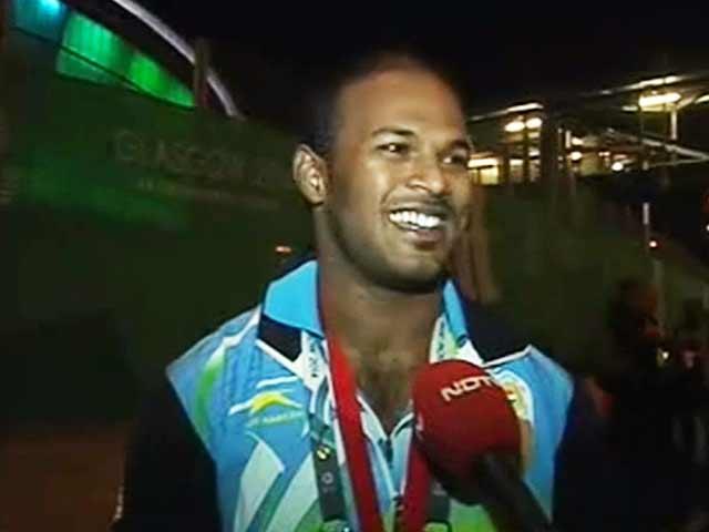 Videos : भारोत्तोलक सतीश शिवलिंगम ने जीता स्वर्ण