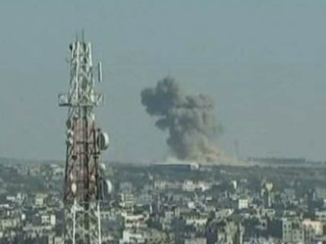 Video : Israel Bombs Islamic University, Mosque in Gaza; Hamas Continues Guerilla Fight