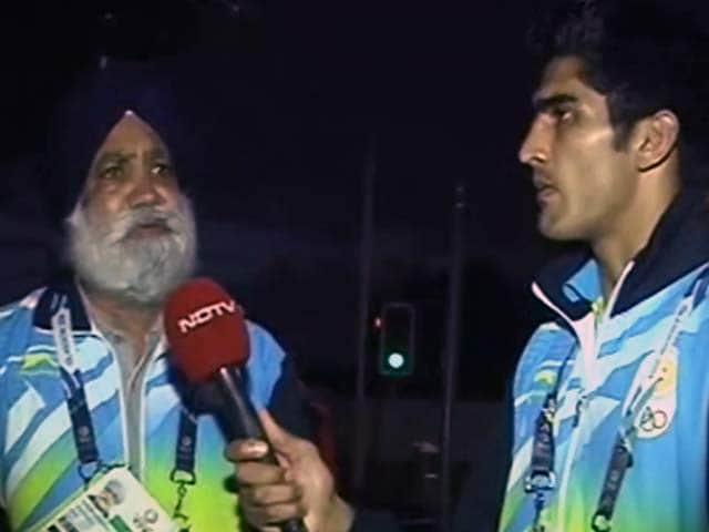 Videos : ...जब मुक्केबाज विजेंदर बने एनडीटीवी के रिपोर्टर