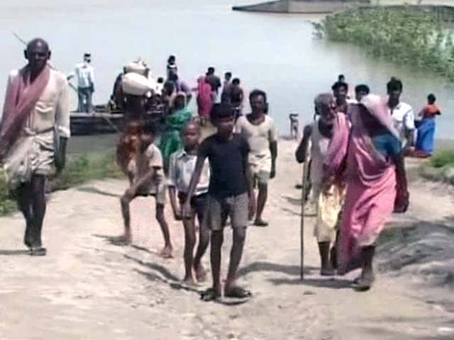 Video : Evacuations in Progress in Bihar, but Food and Tents Limited