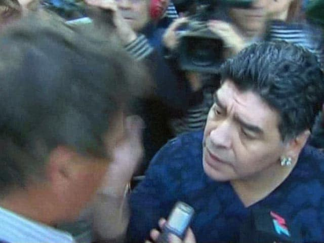 Video : Diego Maradona Slaps Journalist for 'Winking'
