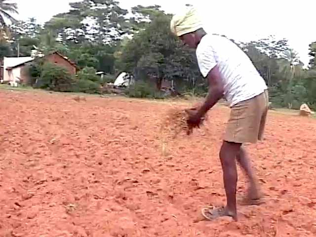 Video : For Karnataka's Drought-Hit Farmers, an Endless Wait for 'Assistance'