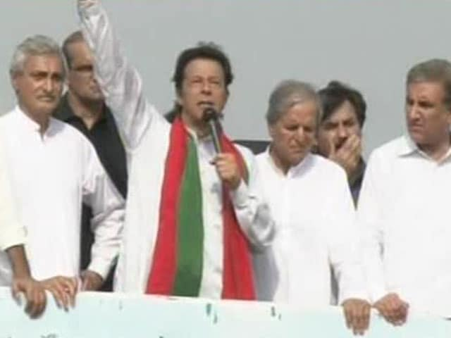 Video : Pakistan Crisis: Imran Khan Suspends Dialogue With Sharif Government