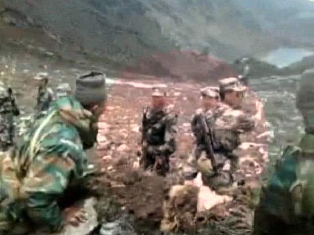 Video : भारतीय सीमा में दीवार गिराते वीडियो में कैद हुए चीनी सैनिक