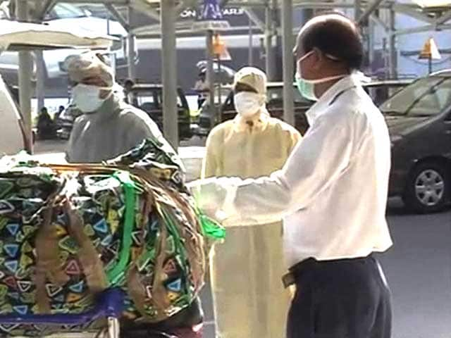Video : Six Passengers Taken for Ebola Tests On Arrival at Delhi Airport