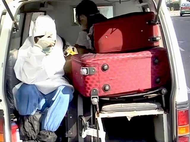 Videos : इबोला : दिल्ली-मुंबई एयरपोर्ट पर हाई अलर्ट