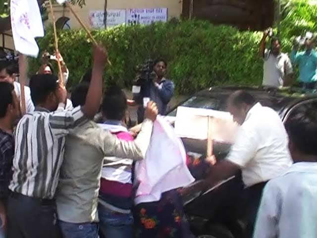 Video : Three Students Expelled From Famous Scindia School Over Grave Ragging